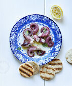 Octopus with grilled bread
