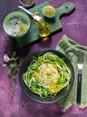Courgette spaghetti with lemon and mint