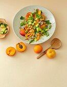Möhren-Kichererbsen-Salat mit Aprikosen