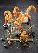 Prawn skewers with lime and mayonnaise