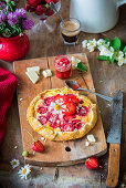 Strawberry pie with white chocolate