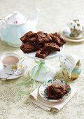 Schokoladen-Karamell-Schnitten mit Feigen