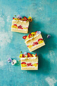 No-bake mango and strawberry torta