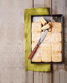 Almond and lemon slices