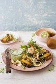 Garnelen-Kiwi-Salat mit Kokos-Dressing