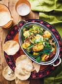 Dry potato and green bean curry