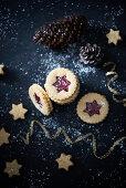 Vegan jammy shortbread biscuits (Christmas)