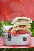 Tramezzini mit Roastbeef zum Picknick