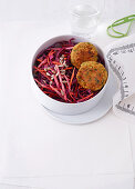 Lentil cakes with red cabbage salad (office lunch break)