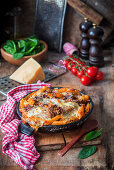 Gratinated penne with goat's meat