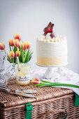 Poppyseed and lemon layer cake of Easter
