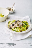 Courgette noodles with tuna fish and capers (low carb)