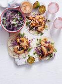 Tortillas mit Garnelen und Rotkohlsalat (weihnachtlich)