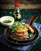 Hähnchen-Süsskartoffel-Puffer mit Koriandergrün (Thailand)