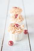 Apple and raspberry cupcakes