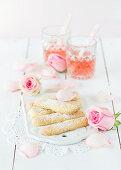 Sponge fingers with rose petals