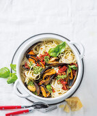 Mussel spaghetti with a twist