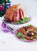 Glasierter Schinken dazu in Ahornsirup geröstetes Gemüse (Weihnachten)