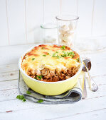 Cauliflower and minced meat pie