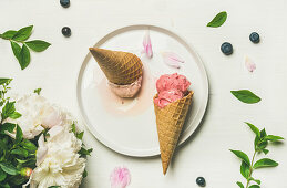 Pink strawberry and coconut ice cream scoops