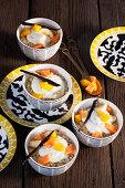 Couscous mit Vanillejoghurt und Früchten (Mali, Afrika)