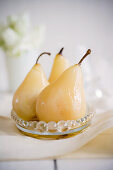 Cooked pears with honey