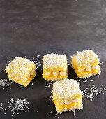 Lemon meringue lamingtons