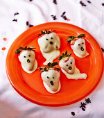 Ghost Strawberries for Halloween