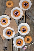 Almond rings with cream and berries