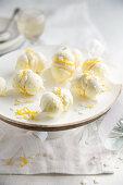Zitronenbaiser mit Zitronencreme