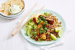 Naked Bowl mit Quinoa, Fisch und Tacos