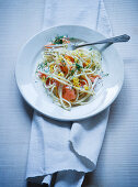 Pasta with salmon, lemon and dill