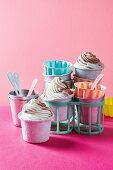Lamington frozen yoghurts in pots