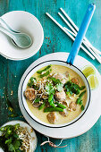 Green Curry with Chicken Meat Balls