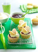 Butterfly-Cupcakes mit Marmelade