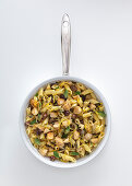 Penne with chicken, olives and capers