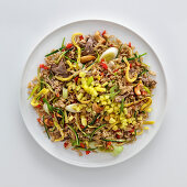 Fried rice with beef, mango, vegetables and cashew nuts