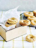 Sesame rings for lunch