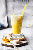 Vegan golden milkshake