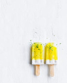 Pine-lime and coconut pops