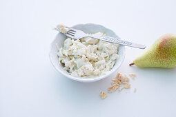 Pear yoghurt muesli