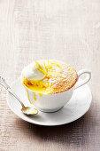 Self saucing lemon pudding (England)
