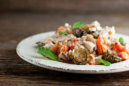 Salad with chicken and roast vegetables