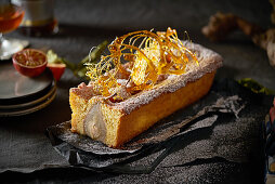 Pear cake with caramel strands