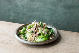 Miw noodles with ginger chicken and miso butter sauce