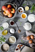 Zutaten für Vollkorn-Apfelkuchen (Aufsicht)