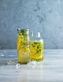 Chamomile and lemon iced tea