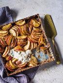 Apple tart with pecan nut crust