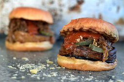 Vegetarian burgers with aubergine and ketchup