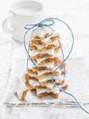 Stacked walnut-cinnamon stars